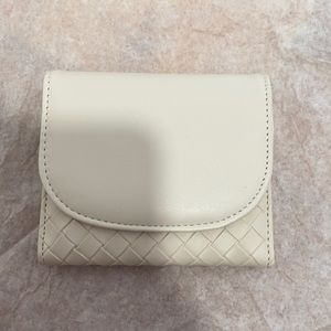 White woven Card Wallet